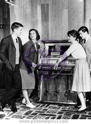 Teenagers 1950's - Pictorial Press - Music, Film TV ...1950s Cars For Teenagers